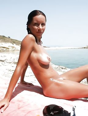 girl in holydays at the nude beach...
