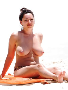 Beach Voyeur: Topless Beauties