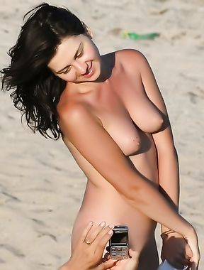 nudist girl flashing at beach